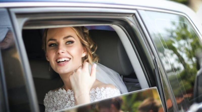 5 Reasons to Hire a Limousine for your wedding
